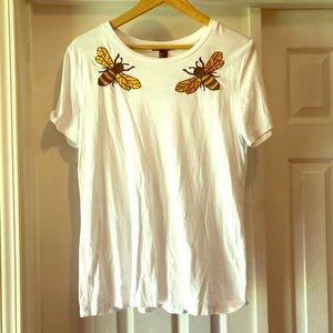 Forever 21 size Large Bumble bee shirt! 🐝